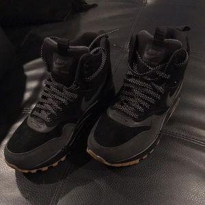 Nike Air max waterproof Sneakerboot 6.5